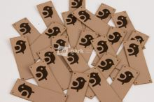 Koženkový štítek - PŘES OKRAJ - PTÁČEK - béžová
