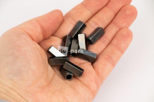 Kovové koncovky - hranaté - načernalé 10ks