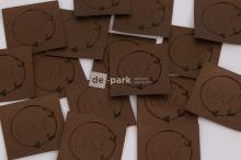 Koženkový štítek - LOVE - bronzová